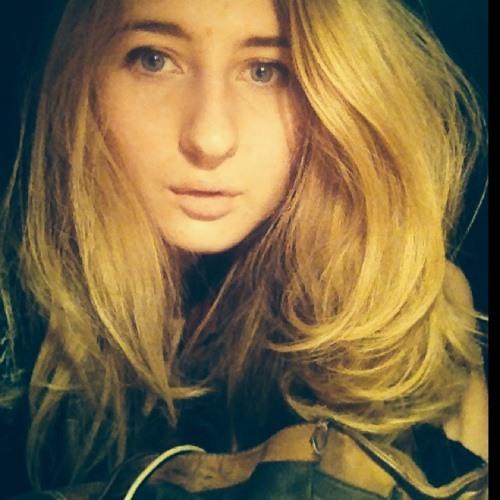 Andréa105567's avatar