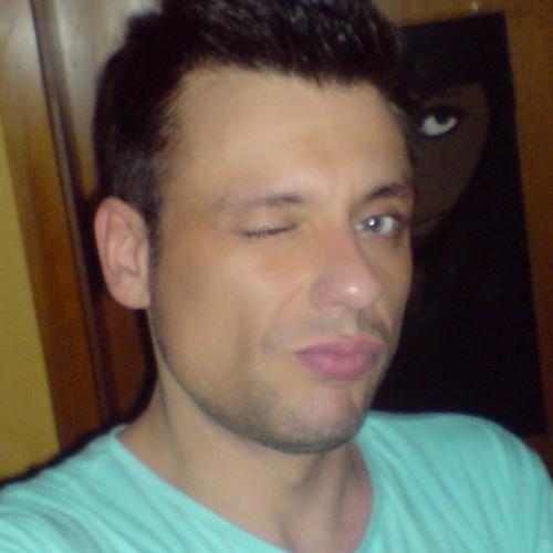 Rico Cora Cao's avatar