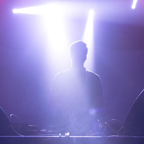 SHM vs. Olav Basoski - Around The One Calabria (DJ Chris† Mashup)
