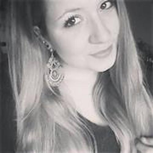 Kelly Teixeira 6's avatar