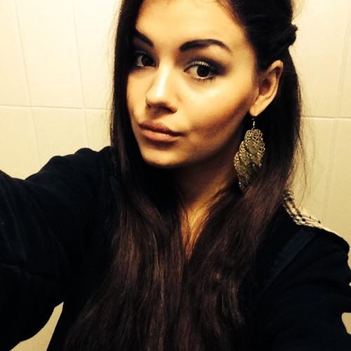lena ♡'s avatar