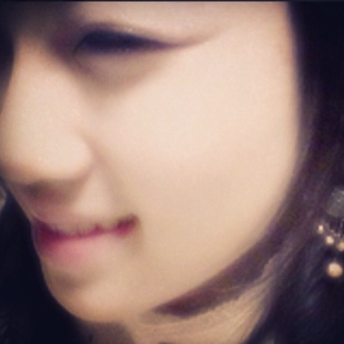 Yoon Hee's avatar