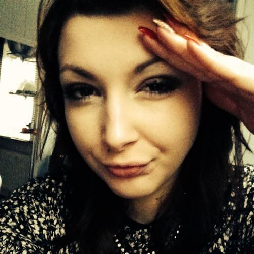 Angelina Runwaylove's avatar