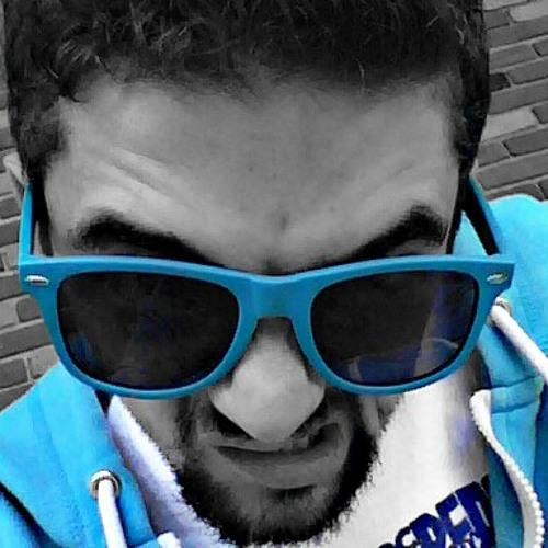 evaanrooni's avatar