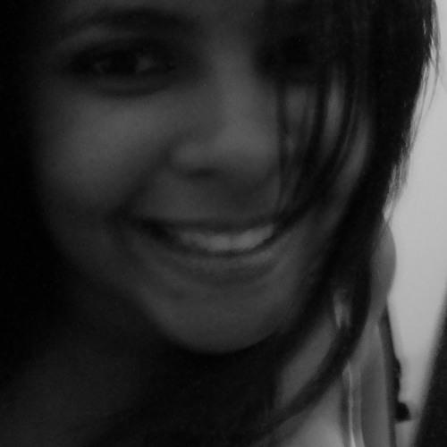 Mariana Farias 12's avatar