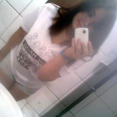 Vivian Sant'anna 1's avatar