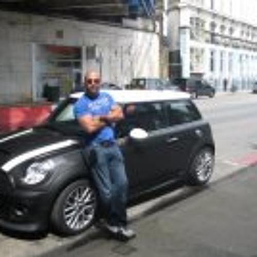 Ayham Helwani's avatar