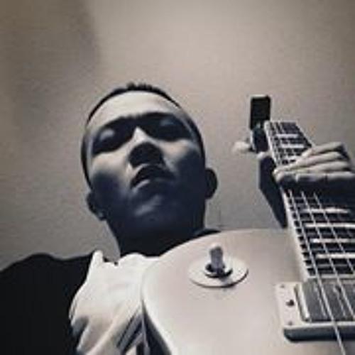 Lucas Zhou's avatar