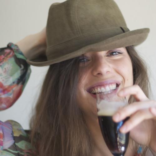 Emília Rovira's avatar