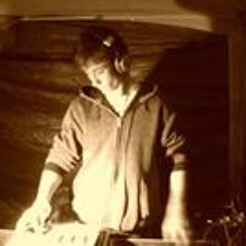 Anthony Gavin 4's avatar