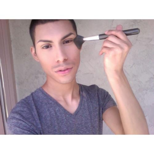 MakeUpByLeo_'s avatar
