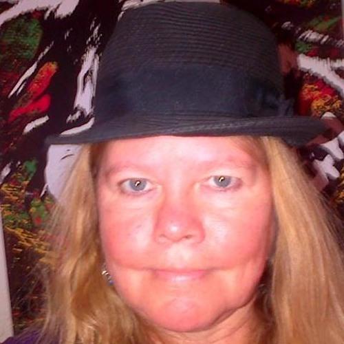 Ilona Maki's avatar