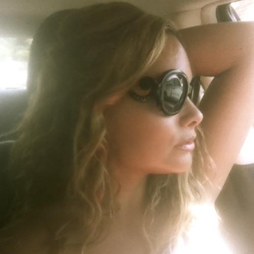 Claudia De Leon Fisk's avatar