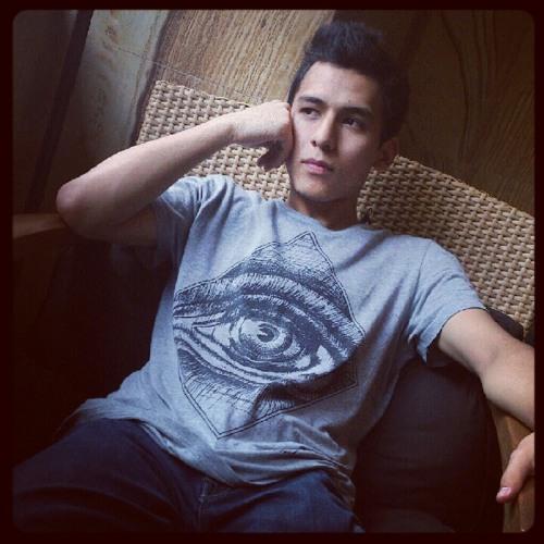 Alex Ravelo's avatar