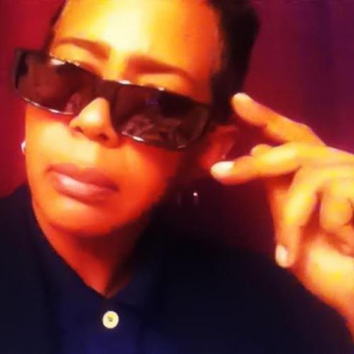 Leanndra D Valdes's avatar