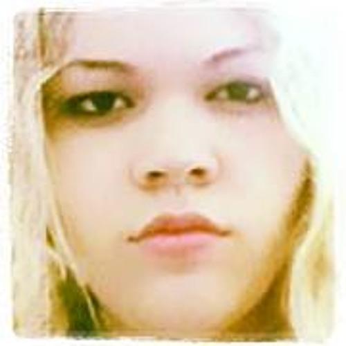 Yasmin Roriz 1's avatar