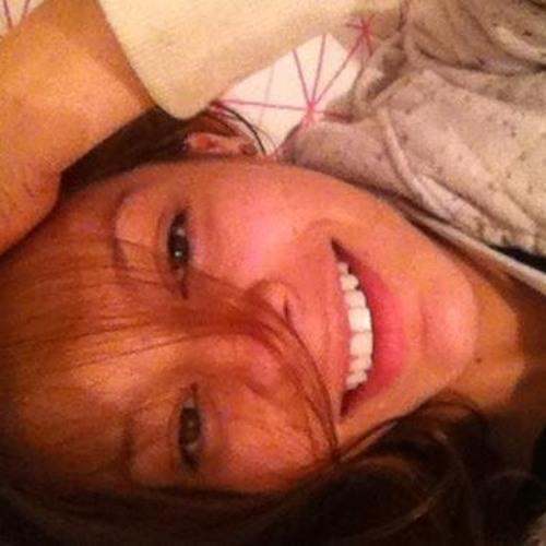 Juliana Saguia's avatar
