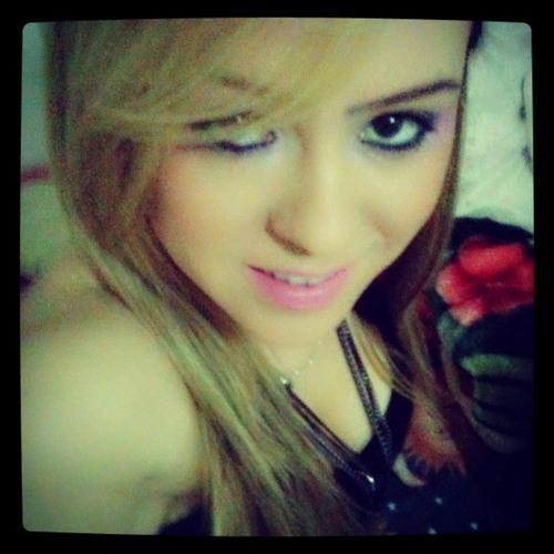 Renata Angélica's avatar