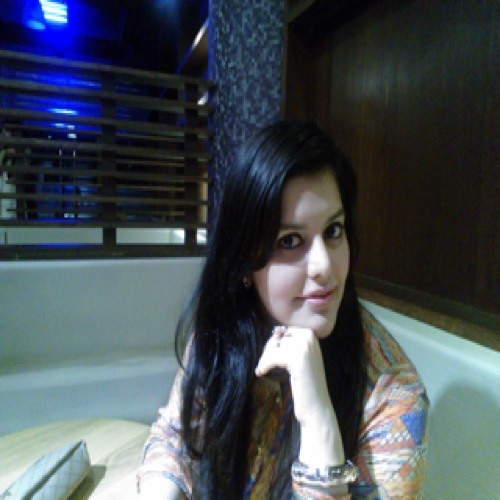 Kinza Farid's avatar