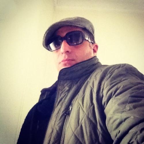 Abdi Zare's avatar