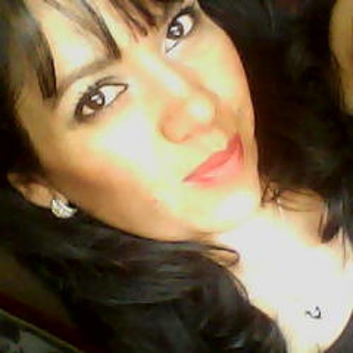 Mely Reyna's avatar