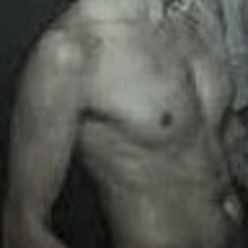 Thommy ----------->>'s avatar