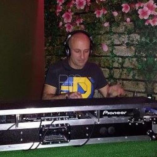 DJ Dave Stout's avatar