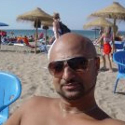 Tarik Kwaks's avatar