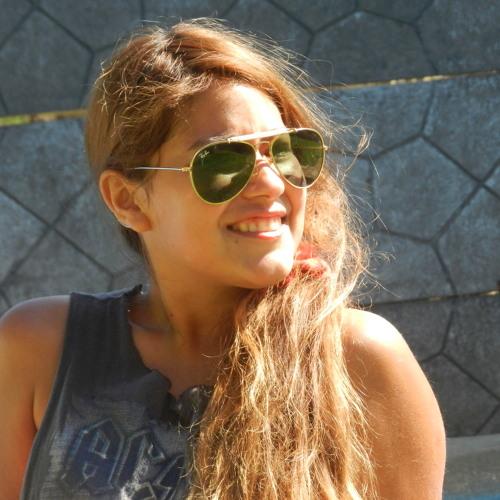 Andrea Bravo Ulloa's avatar