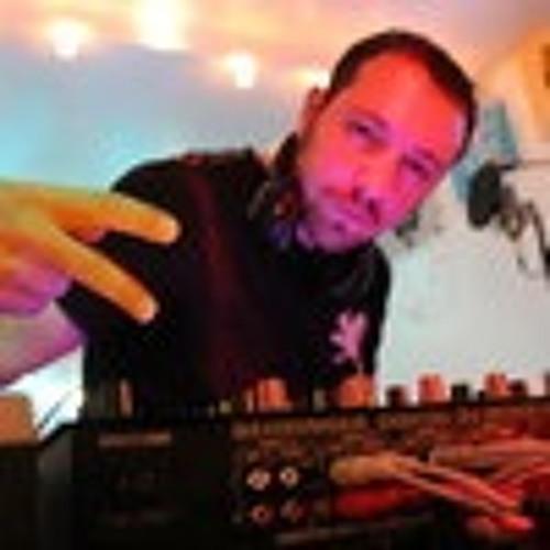 James De's avatar