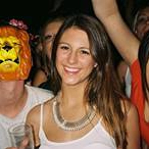 Holly Harknett's avatar