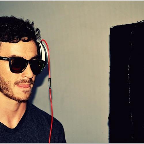 Maestro_SOLTA O GRAVE!'s avatar