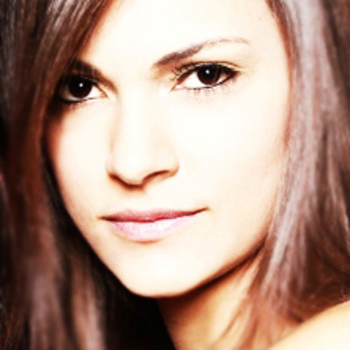 Lara Luz's avatar