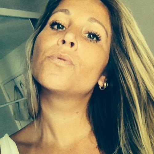 Carole Guimaraes's avatar