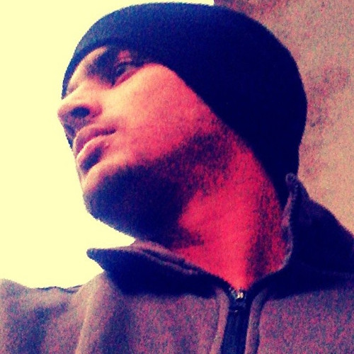 Amir Raja's avatar