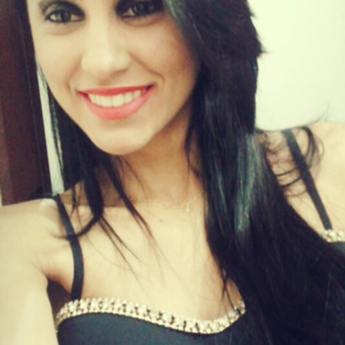 janaina-leles-1's avatar