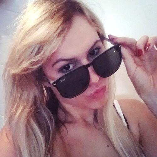Leila Tlach's avatar