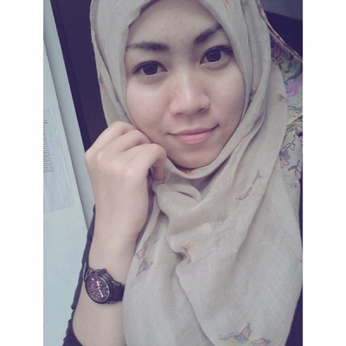 bungaelastria13's avatar