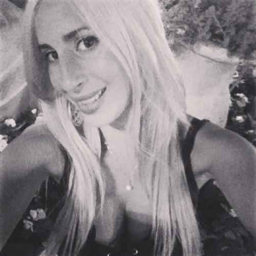 Batel Zohar's avatar