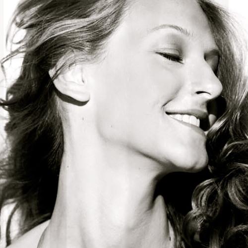 Raphaella Nll's avatar