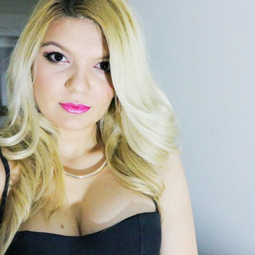 Alina Georgia's avatar