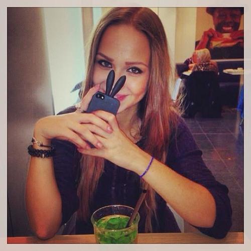Ivone.'s avatar