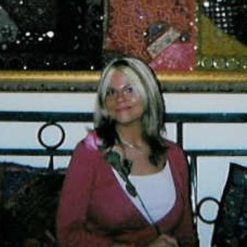 Nadia  XD's avatar