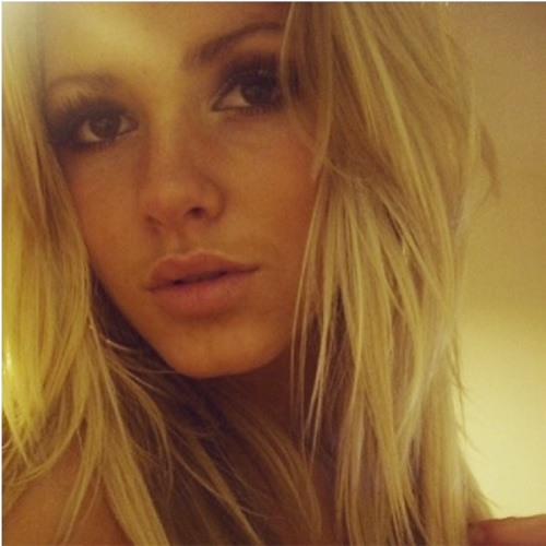catie melbournee's avatar