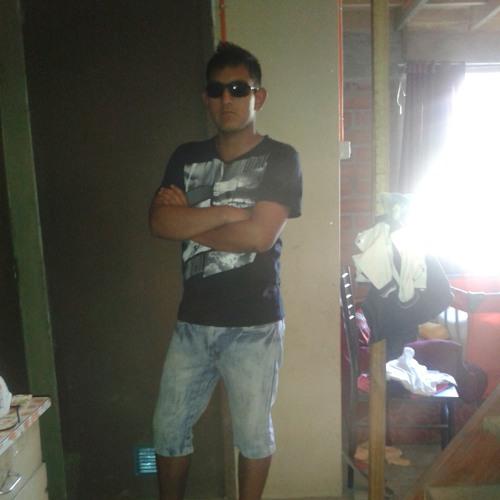 user889844379's avatar