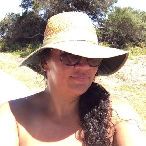 Lisa Clark 12's avatar