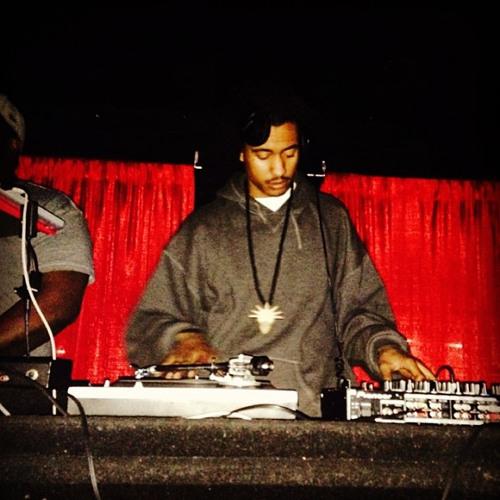 Dozen The DJ's avatar