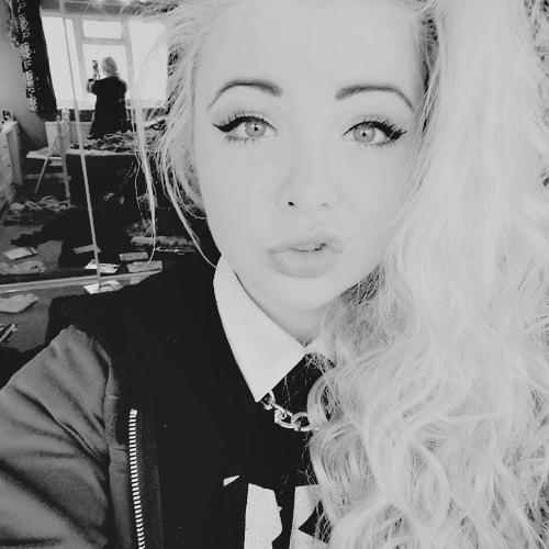 Nicole Lokey's avatar