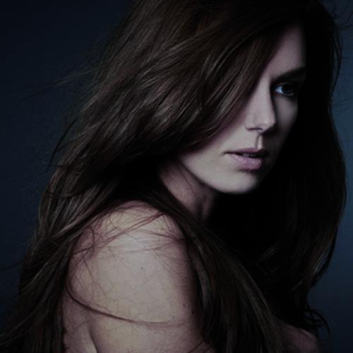 Nicole Rosie's avatar