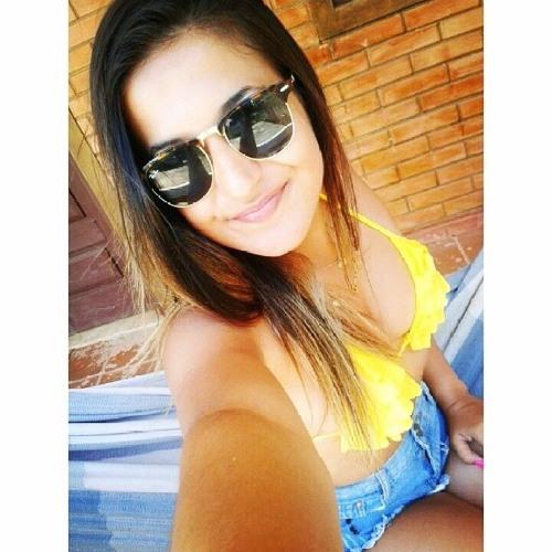 Amanda Moreira 22's avatar